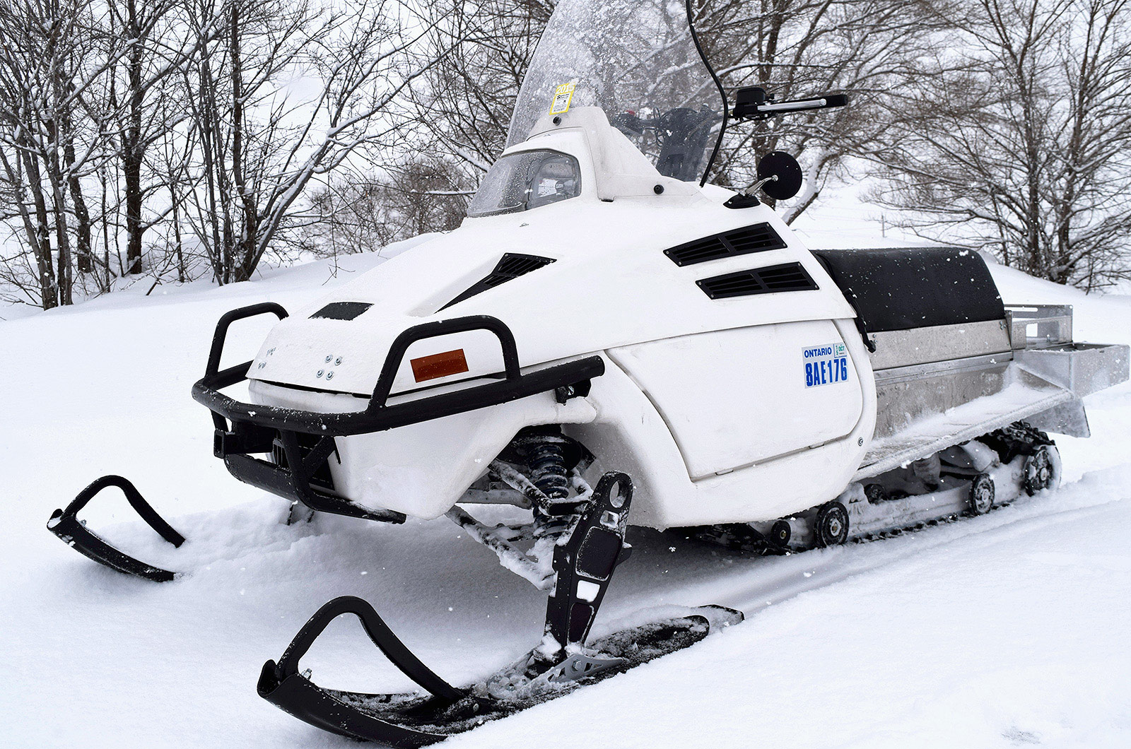 D900 Military-Grade Utility Snowmobile