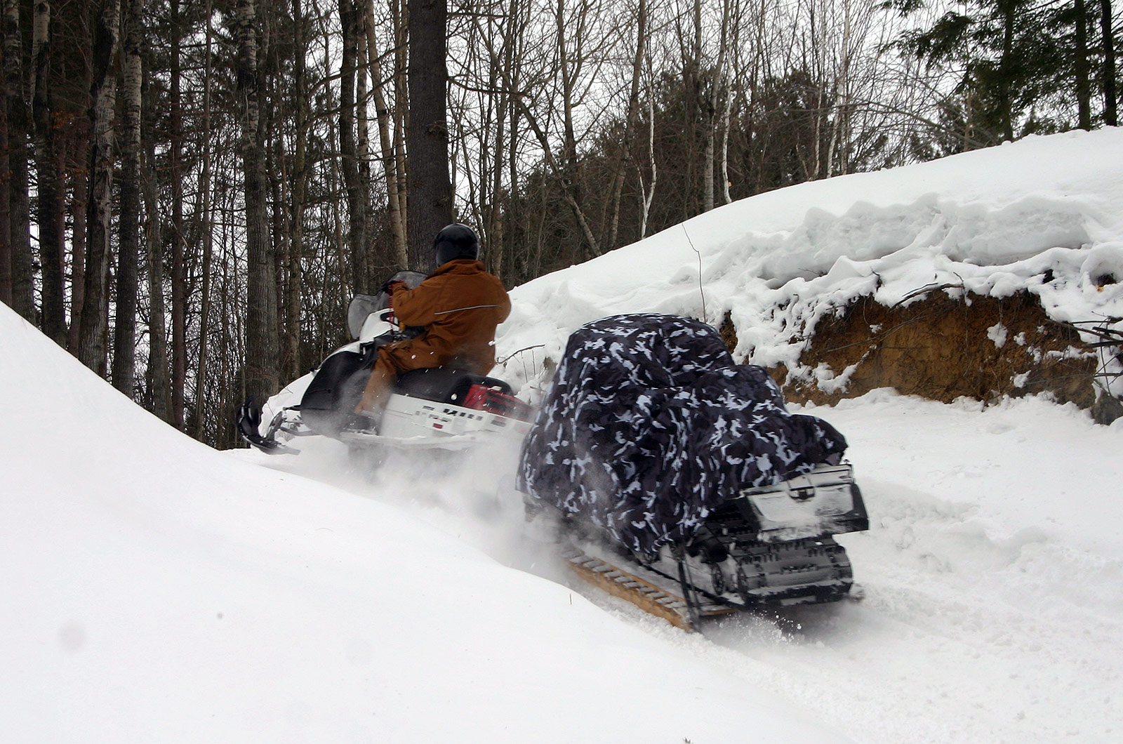 D900 Military-Grade Snowmobile, Towing Uphill